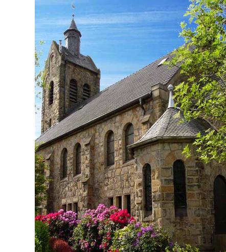 Kirche im Mai